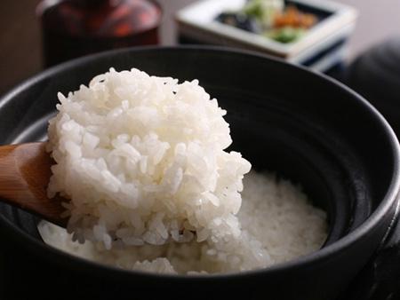 期間限定!桜鯛と宝楽焼を味わう特選料理プラン